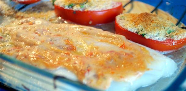 Fletán con tomates al parmesano