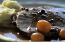 Receta de redondo de ternera al vino de Madeira y uvas
