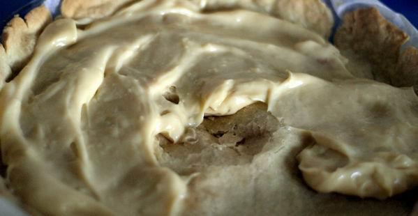 crema pastelera sobre masa quebrada
