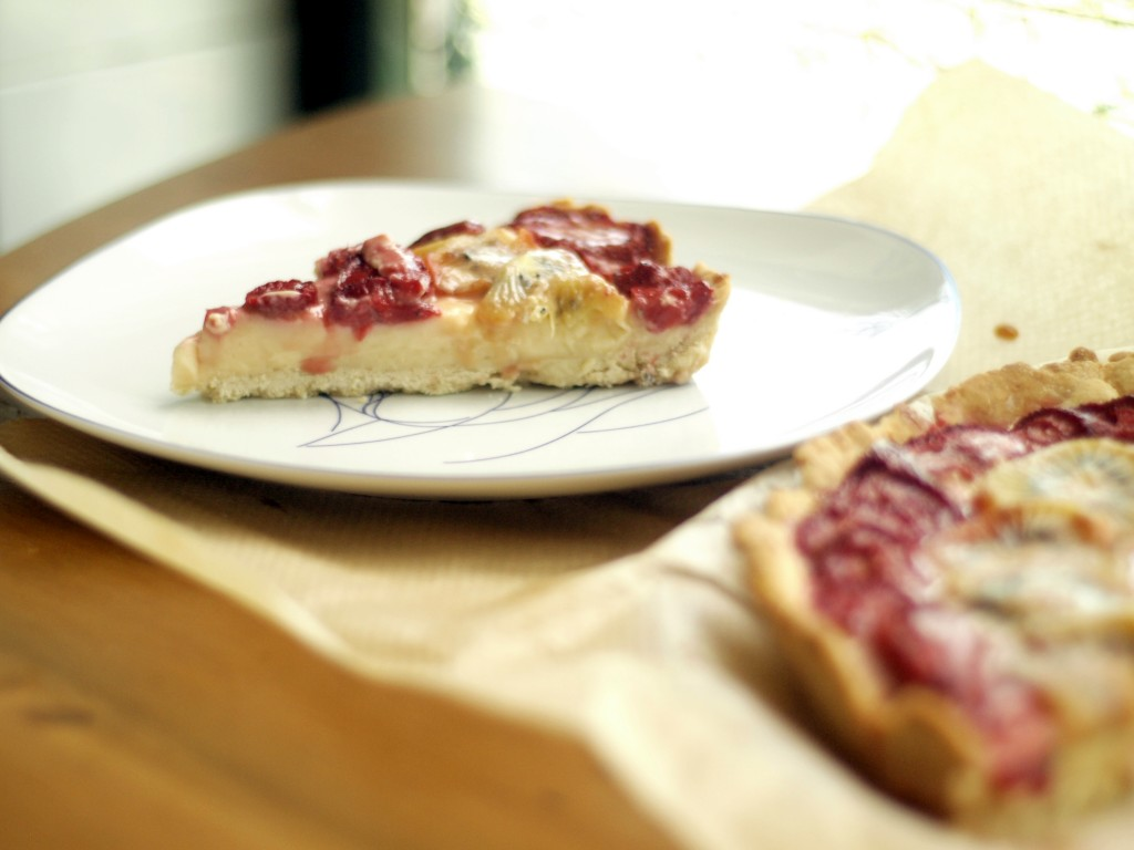 Tarta de fresas y kiwi con crema pastelera de Werthers