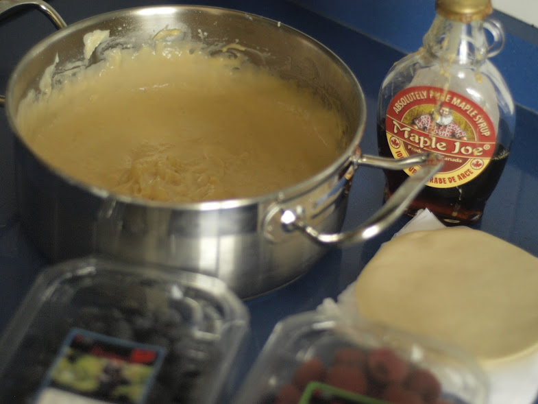 empanadillas-rellenas-de-crema-y-frutos-rojos