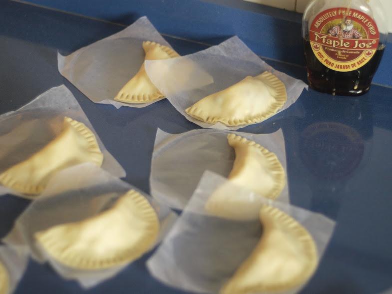 empanadillas-rellenas-de-crema-y-frutos-rojos5