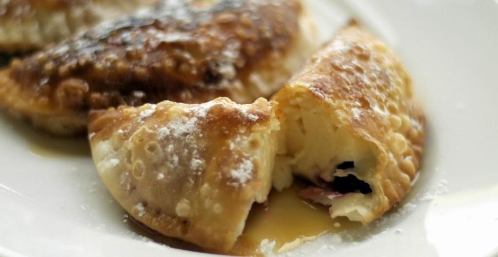 empanadillas-rellenas-de-crema-y-frutos-rojos8