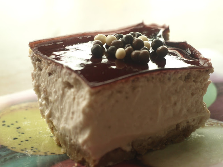 strawberry cheesecake with red wine jelly19