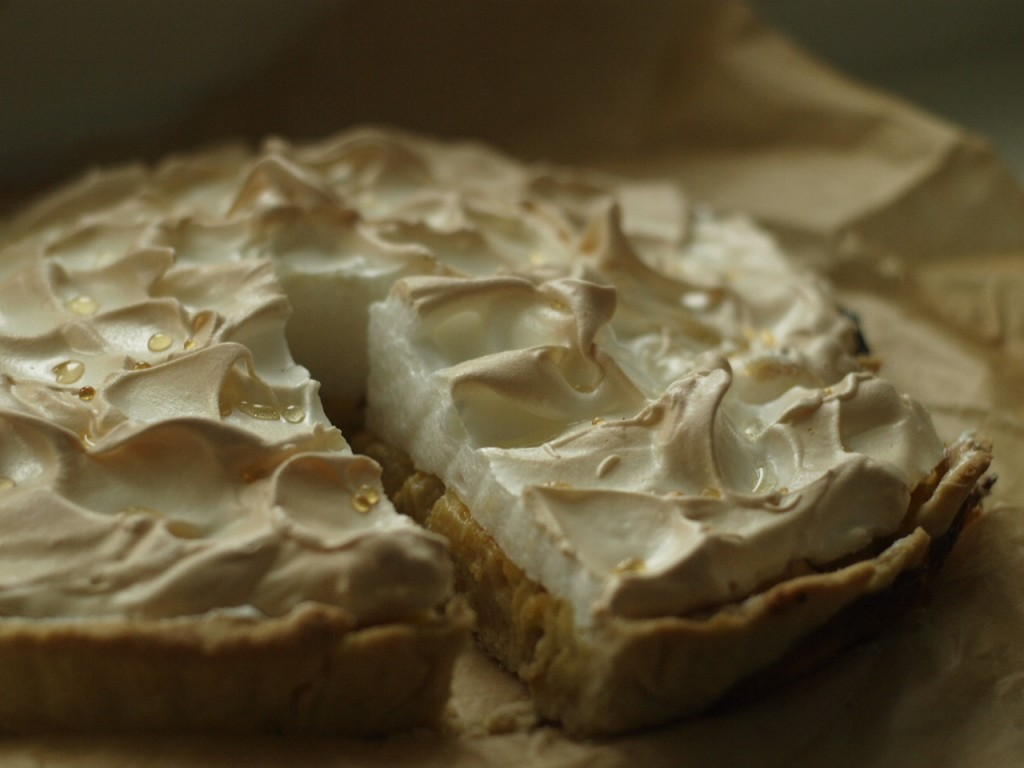 tarta de ruibarbo y merengue