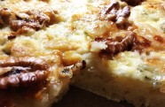 Pizza pera, gorgonzola y nueces